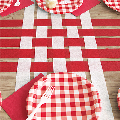 Crepe Streamer Table Runner - DIY Party Decoration Ideas