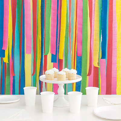 Crepe Streamer Background - DIY Party Decoration Ideas
